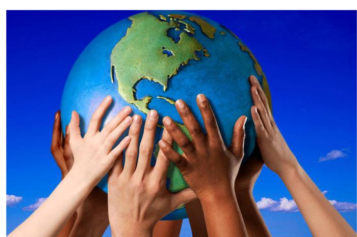 globe-hand2